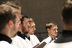 The Kantorei sing in Kramer Chapel during Epiphany.